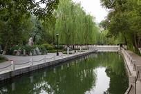 济南珍珠泉周围的环境