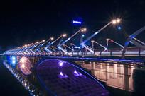夜色里的桥