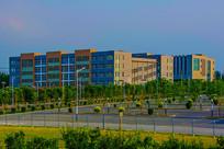 鞍山职教城建筑大楼与停车场