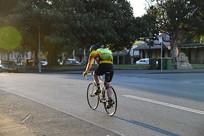 骑单车的人