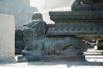 玑衡抚辰仪局部狮子铜雕