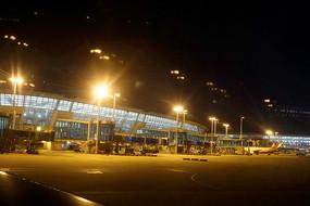 首尔国际机场航站楼夜景