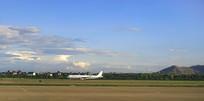 杭州萧山机场起飞的民航客机