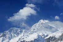 四川海螺沟冰川的贡嘎山雪峰