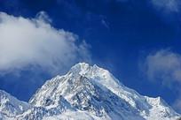 四川海螺沟冰川的贡嘎山主峰