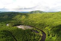 阿巴河流域茫茫的绿色林海