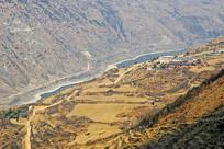 四川泸定县大渡河河谷俯拍
