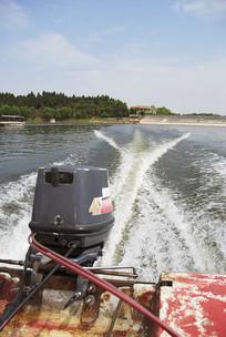 简阳龙泉湖的快艇