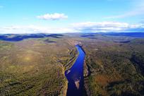大兴安岭林区蓝色的激流河