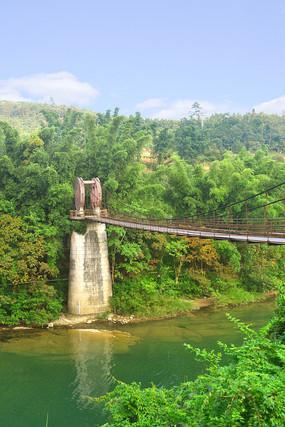荔波小七孔樟江河上的铜鼓桥