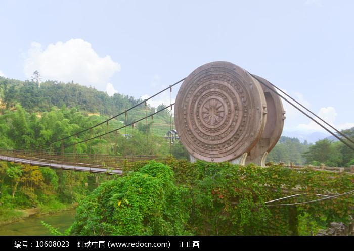 黔南荔波小七孔景区的铜鼓桥图片