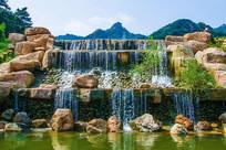 千山桃花溪谷堤坝瀑布
