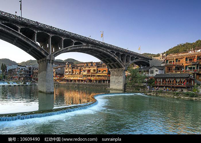 凤凰城景色-凤凰大桥图片