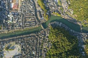 鸟瞰凤凰古城边城