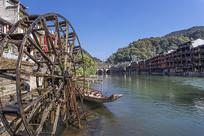 水车沱江与古城