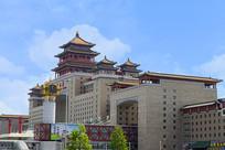北京西站的站房主楼外景