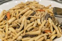 海鲜菇炒牛柳丝