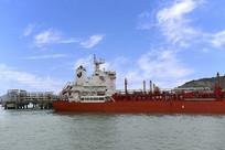 石油加工船