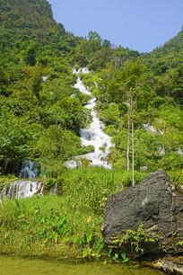 荔波小七孔翠谷湿地的翠谷瀑布
