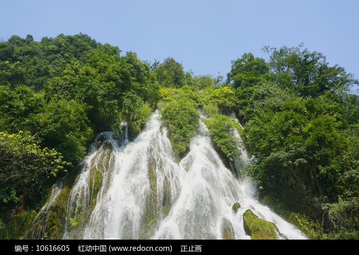 荔波小七孔的翠谷瀑布图片