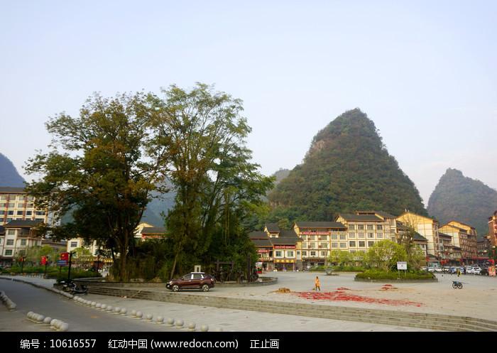 黔南州荔波小七孔旁的小镇图片