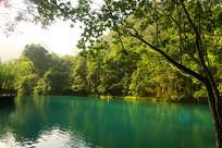 小七孔景区卧龙潭的青山绿水