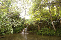 贵州天星天星盆景区的瀑布池塘