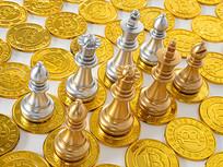 金币上的西洋棋棋子俯拍图