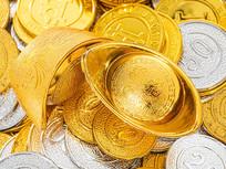 金币上金黄的金元宝特写图