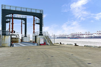 蓝天下的嵊泗码头