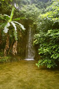 天星桥景区水上石林瀑布池塘