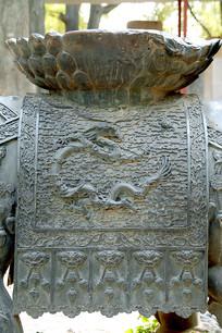 北京孔庙铜兽局部云龙纹饰