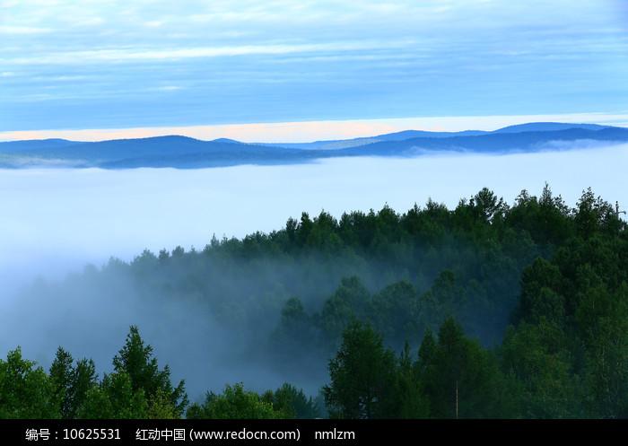 大兴安岭山岭云海 图片