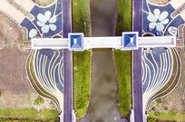 对称园林景观图