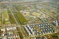 航拍上海浦东郊外的住宅建筑