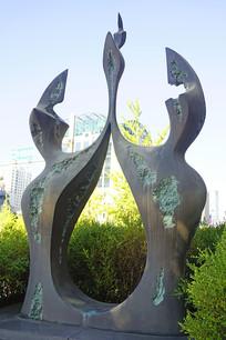 韩国水原市抽象人物雕塑
