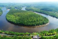 大兴安岭林海河流白鹿岛风景