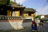 韩国北村韩屋村街道和游客