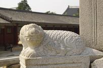 韩国景福宫勤政殿石刻-解豸