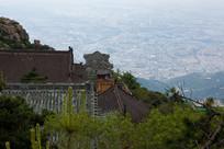 泰山寺庙建筑一角