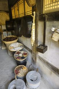 韩国民俗村传统民居厨房厨具