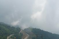 迷蒙的山雾