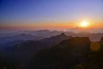 赛武当山顶日出