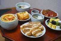 韩国传统节日春节餐桌
