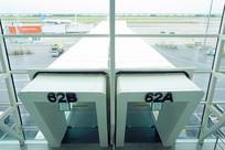 深圳宝安机场登机口及廊桥俯拍
