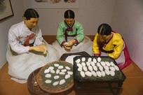 韩国家庭饮食制作场景雕塑