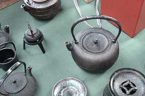 古典风格的茶壶