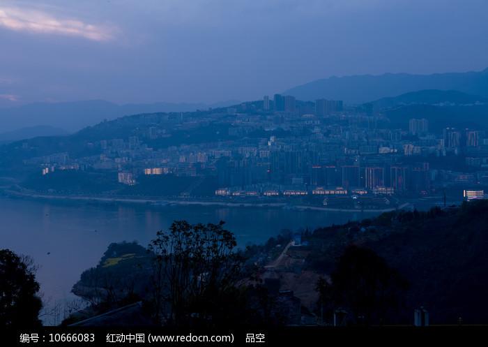 巫山县城蓝色调夜景图片