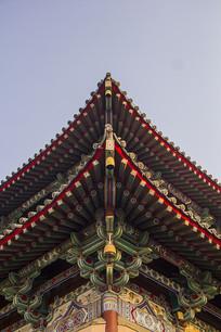 古建筑大殿飞檐