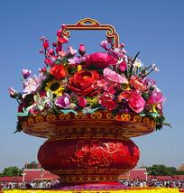 北京天安门国庆节的巨型花篮